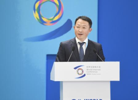 知乎周源:中国互联网已过青春期 缺乏约束与自省