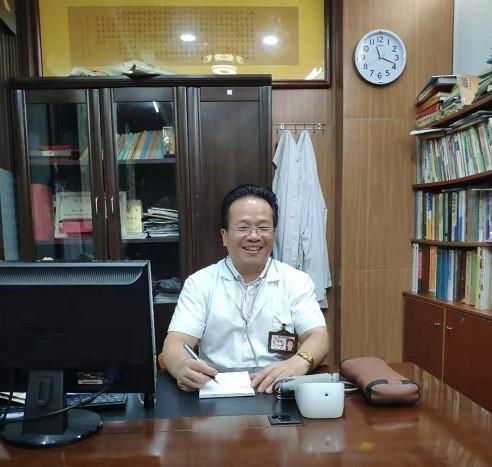 专访|杨少雄中医诊所创始人:传承中医,独创通络正脊中药热敷透皮整体疗法
